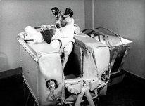 El regreso de Laika a la Tierra no estaba previsto. Como otros muchos animales, la perrita murió. No pudo aguantar más de unas 5-7 horas del vuelo por el estrés y el recalentamiento, aun que se suponía que estaría viva durante una semana.